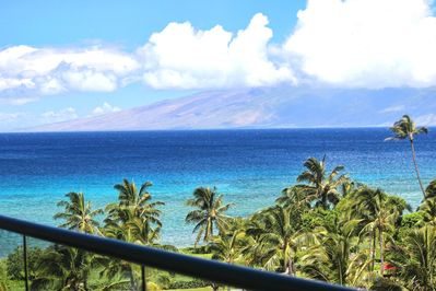 The Pacific Ocean never looked so inviting from your lanai.