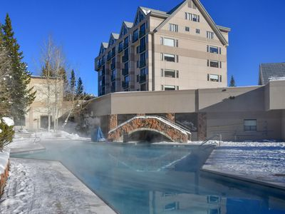 Shoshone Corner Condo. Great Views. Ski in/out. Pool/Health Club. Owner managed.