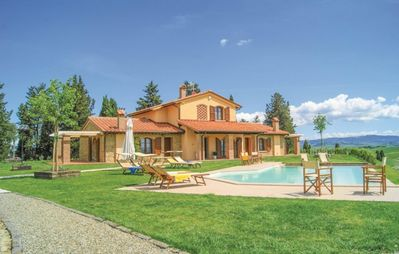 Photo for Fattoria Spedaletto Villa, Sleeps 12 with Pool, Air Con and WiFi