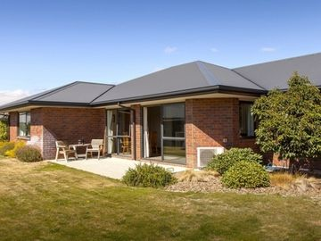 Hebron - Cromwell Holiday Home