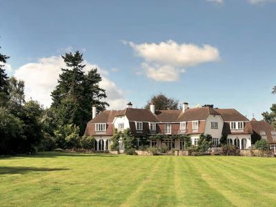 Photo for Mansion in Ascot - Near Wentworth Golf Club