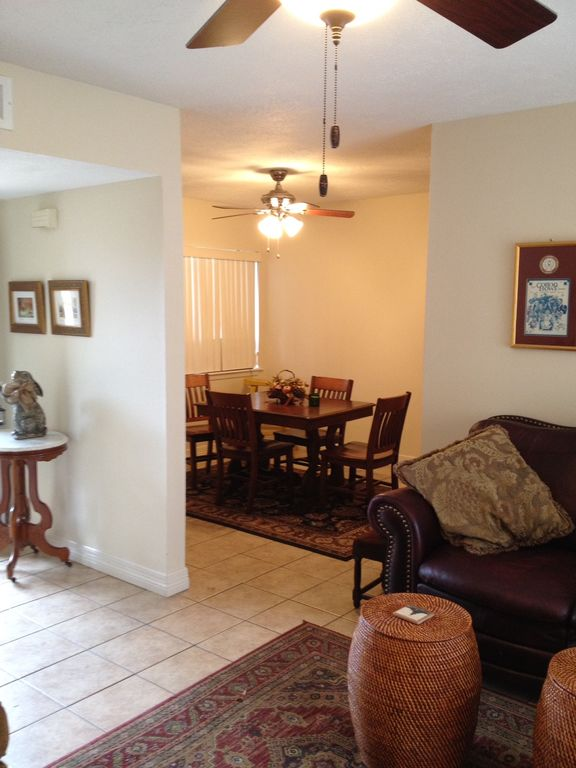 Cute Two Bedroom Condo College Station Texas Rentals And Resorts