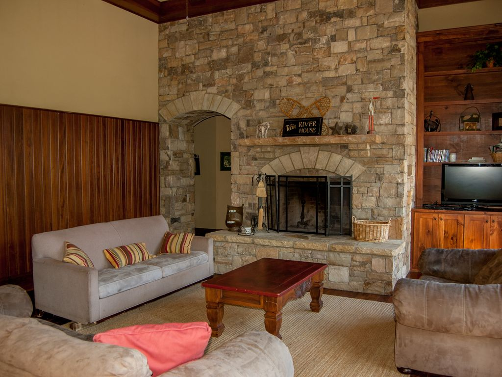river access privacy wi fi 2 wood homeaway west jefferson