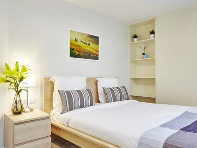 Photo for Cosy Apt close to Bastille. Sleeps 4