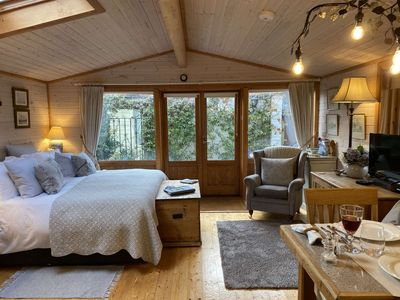 Photo for Luxury Lodge with Super King Size Bed, Kitchen & Shower Room