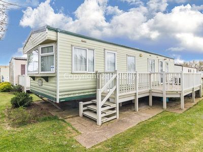 Photo for 6 berth mobile home by the seaside resort of Manor park in Hunstanton 23004