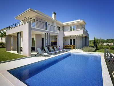 Photo for Stylish villa ***** with pool, piano, 200m from the sea, top location, restaurants, bars