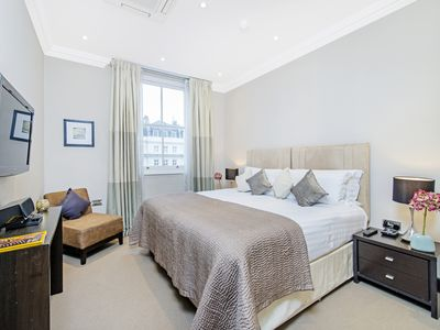 Photo for One Bedroom Apartment close to National history and Albert museum, Knightsbridge