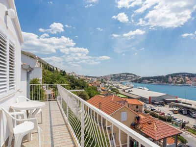 Photo for 3-floor terraced house with 1bedroom apartment on each floor,NOSTROMO GUESTHOUSE