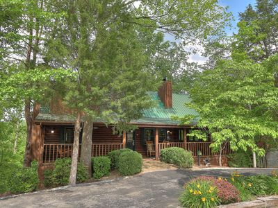 Photo for Refreshing 2-bedroom Log Cabin in Gated Smoky Mountain Community