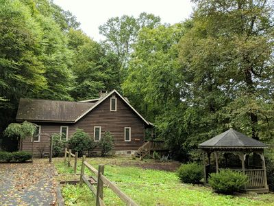 Photo for Cozy 3/2 Cabin CLOSE TO SUGAR MTN*Hot Tub*Fireplace