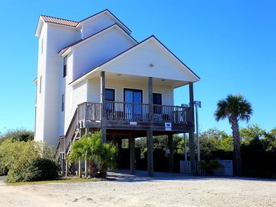 Photo for Adventures in Paradise - Private pool, gated doggy area, gas grill and more!