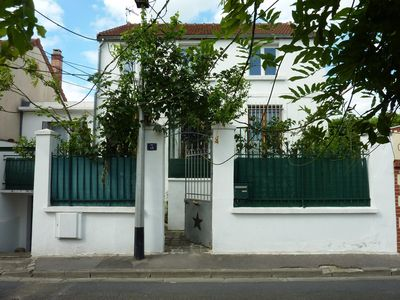 Photo for Floor in a charming house + terrace + metro: the countryside in Paris