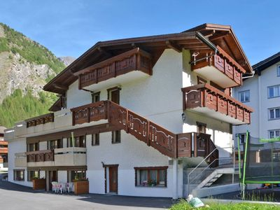 Photo for Apartment Haus Quelle (SGD134) in Saas-Grund - 4 persons, 1 bedrooms
