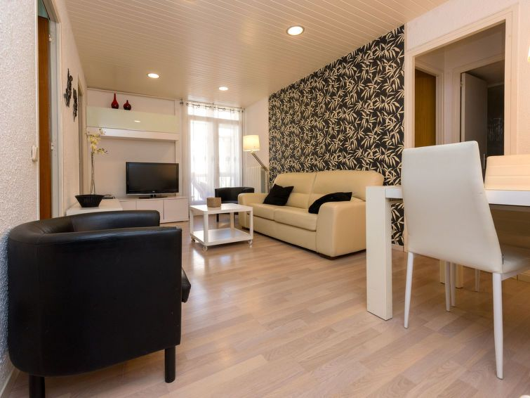 Appartement eixample dret mallorca lepant 02 barcelone for Appart hotel 5 personnes barcelone