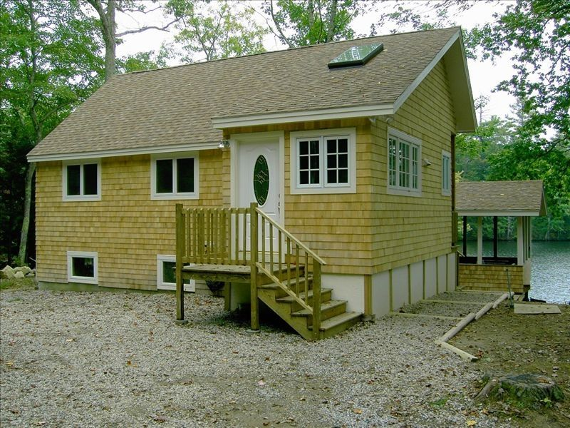 New beautiful kennebunk maine area secluded homeaway for Cabin rentals in maine with hot tub