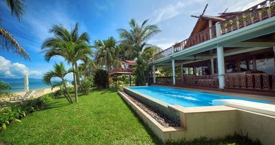 Photo for SPLENDID VILLA 1st line with private pool / 8 pers.