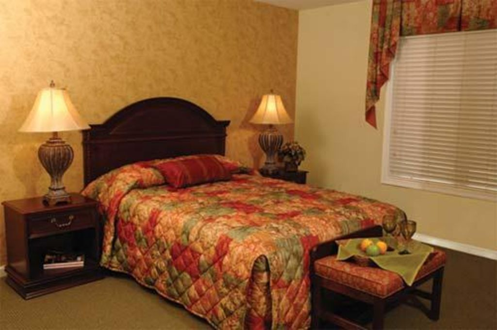 2 Br Family Friendly Suite With Pool Minutes From Williamsburg Busch Gardens Williamsburg