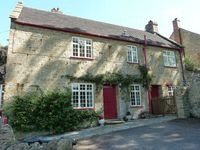 Great cosy cottage with flag stone floors, located in the heart of the village. Beautiful.