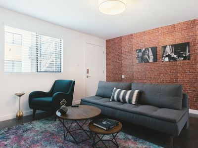 Photo for WanderJaunt | Starling | 1BR | Downtown Phoenix