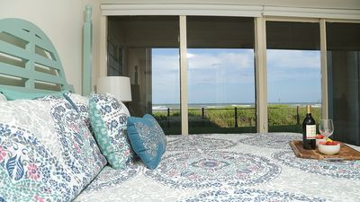 Photo for 1ST FLOOR BEACHFRONT!!  BAHIA MAR,  SPECTACULAR VIEWS!!  WIFI, PET FRIENDLY!