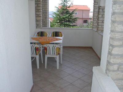 Photo for One bedroom apartment with terrace and sea view Rab