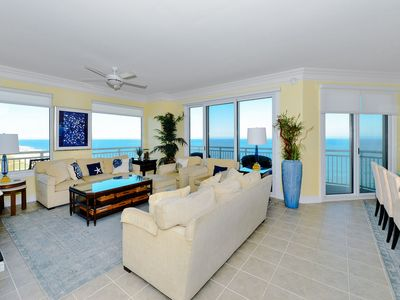 Photo for Gateway Grand 1213 with 4BR, 3BA sleeps 10 and includes linens!