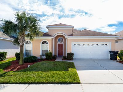 Photo for Under 3 miles from Disney, 5 TVs, gated community, heated pool, free wi-fi
