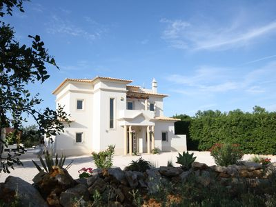 Photo for Immaculate & luxurious modern Villa with large Infinity Pool & Spa (sleeps 10)