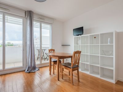 Photo for BRIGHT STUDIO IN THE ST GENES RESIDENTIAL AREA IN BORDEAUX (APT 35)