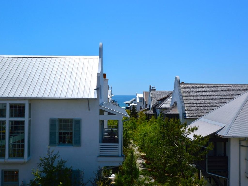 Tortuga Only 100 Yards To The Beautiful Emerald Waters Of Rosemary Beach