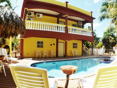Fabulous poolside home close to the beach, amazing sunsets