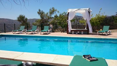 Photo for Beautiful Villa, 12 pers, heated private pool, views of the sea!