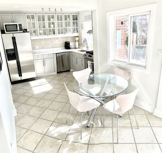 Photo for Pet Friendly Family Home A+ Amenities St. Clair West