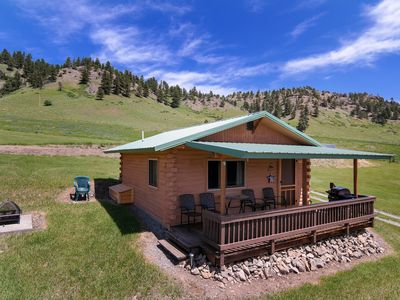 Photo for Elk Cabin sleeps 4 with beautiful views of the Beartooth Mountains