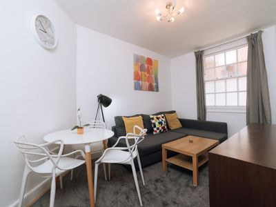 Photo for Vibrant 1 Bed Apt, sleeps 4 in King's Cross
