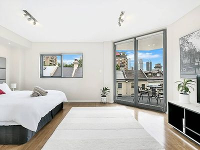 Photo for Large One Bedder Close to Sydney CBD