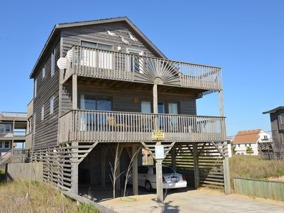 Photo for Ocean views, classic beachy designs and open floorplan - 104