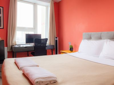 Photo for Bray Apartment: Twin/Double Bedroom with Shared Bathroom/WC
