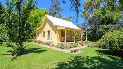 Photo for Harrietville Cottage : Cosy family cottage