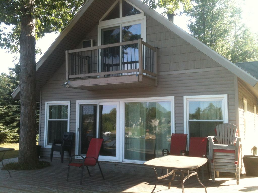 vacation for view cottage too and br central lake rentals activities on rent maberly silver frontenac kitchen work sharbot ca homeaway rental can in but
