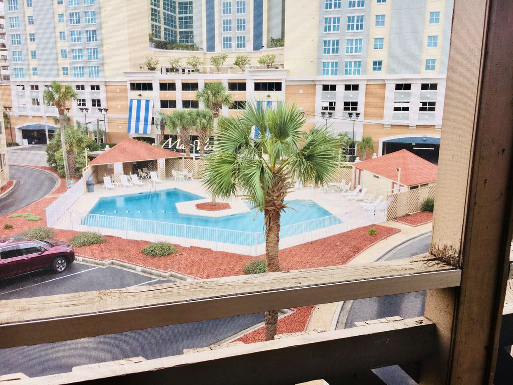 2 Bedroom Condo Directly Across Boulevard From Beach Access Outdoor Pool North Myrtle Beach