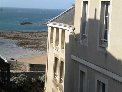 Photo for Inner Saint-Malo 30 m away from the beach, T2 type apartment 4 persons, 42 m²