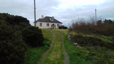 Photo for Burtonport detached 3 bed cottage an sl 8 open fire woodlands beaches pubs