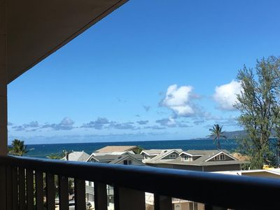 Ocean view from the living room's lanai.
