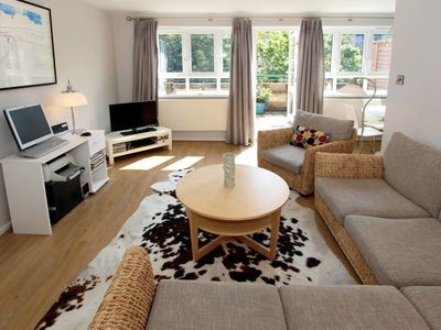 Photo for Spacious 2 bed in West Kensington with balcony