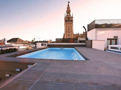 Photo for Great study with pool on the roof. Views to the Giralda