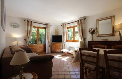 Photo for This 1 bedroom apartment is located 5 min (walking distance) from the center, in a quiet area. Layou