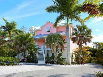 Conch Shell- A cozy family home nestled between Pine ave. and the gulf beaches!