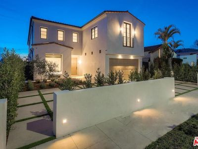 Photo for ONE OF A KIND MELROSE MODERN LUXURY